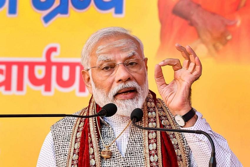 PM Modi, VP Naidu Pay Tribute to VD Savarkar On Birth Anniversary