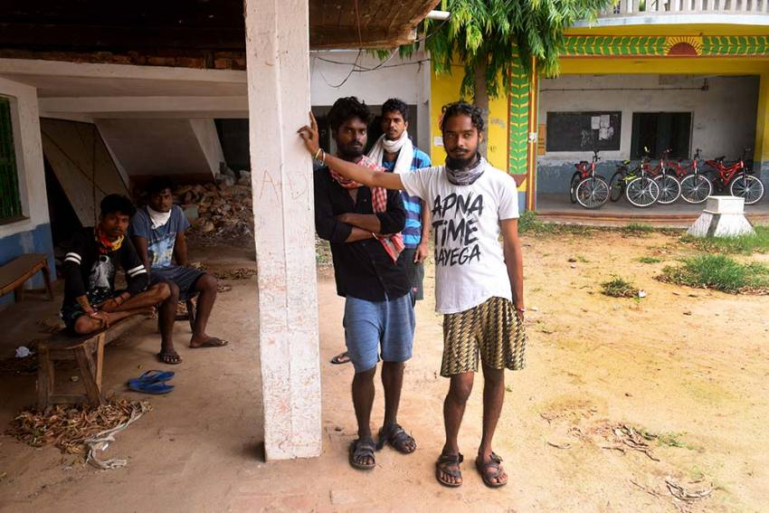 Migrants' Return: Five Friends And A Desperate East Coast Ride To Sweet Home