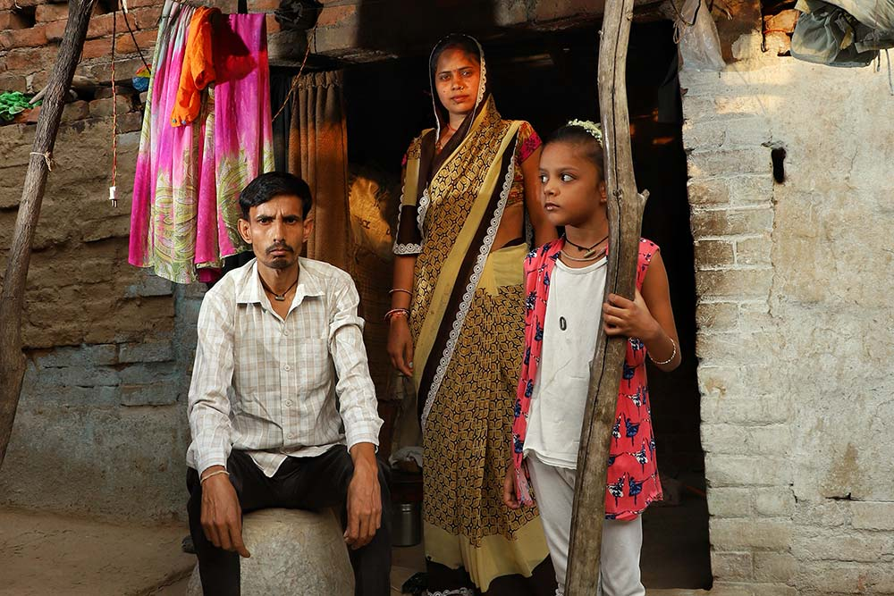 Caught Between Hope And Despair, Bundelkhand Migrants Slip Into Dark Mode