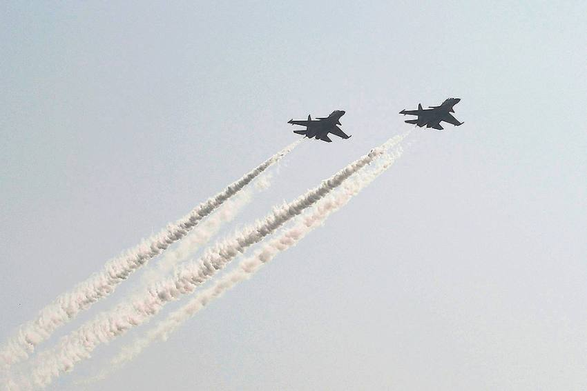 IAF Conducts Fly-past In Several Cities To Thank Corona Warriors, Navy Showers Flowers On Goa Hospital