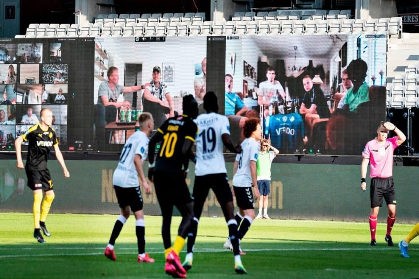 Danish Superliga Returns As Fans Watch AGF Aarhus Vs Randers Live Via Virtual Stand