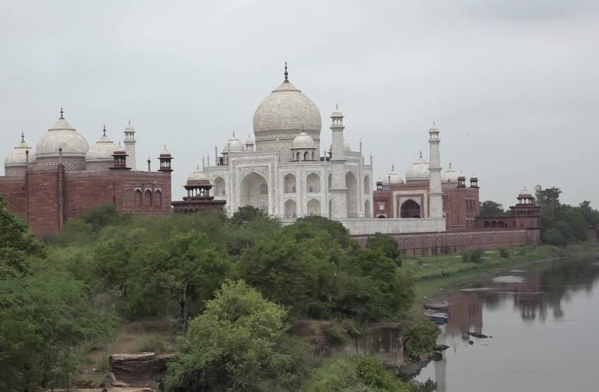 Parts Of Taj Mahal Damaged In Thunderstorm, 3 Die In Agra