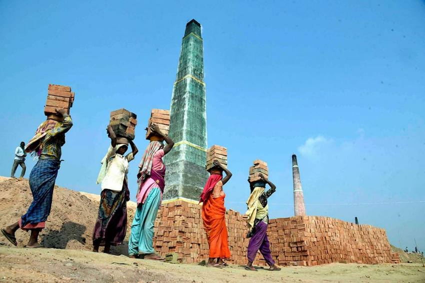 COVIDED! Trade Unions Smell A Fish As Centre On Verge Of Tweaking Labour Laws