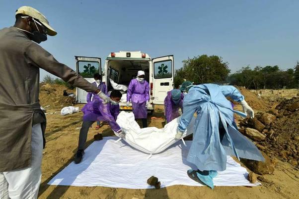 'Bodies Found In Garbage, Covid Patients Treated Worse Than Animals': SC Raps Delhi Govt