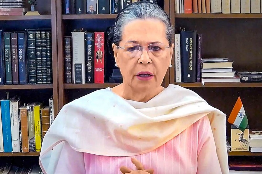 'Govt Profiteering Off People': Sonia Gandhi Asks PM Modi To Roll Back Fuel Price Hike