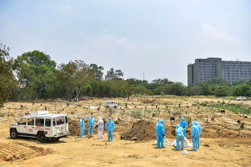 Muslim Graveyards Run Out Of Space In Delhi As Covid-19 Deaths Continue To Rise