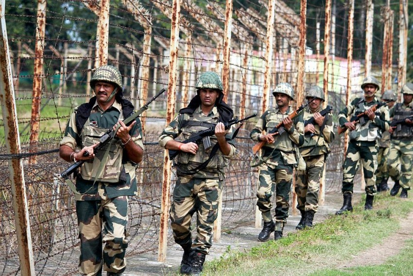 Army Jawan Killed As Pakistani Troops Shell Forward Areas Along LoC In J-K
