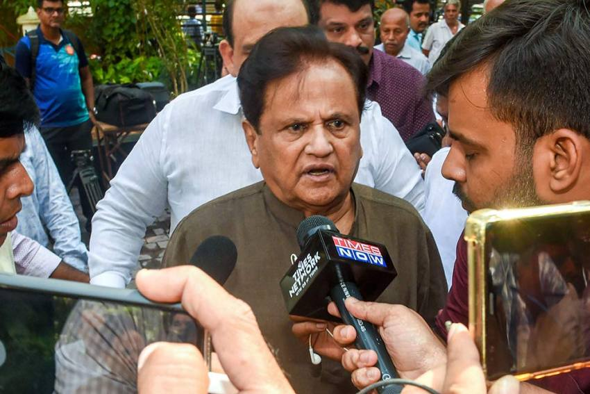 ED Visits Ahmed Patel At Home For Questioning In Money Laundering Case