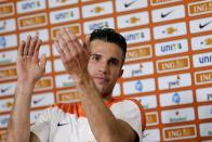 Arsenal Lack Mental Toughness - Robin Van Persie Highlights Defensive Issues For Gunners