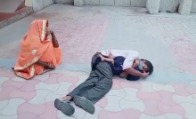 Father Clings To Child's Body And Wails In UP Hospital, Alleges Carelessness