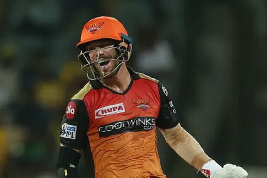India Bans Chinese Apps, Aussie 'TikTok Star' David Warner Pays The Price - Read Fan Reactions