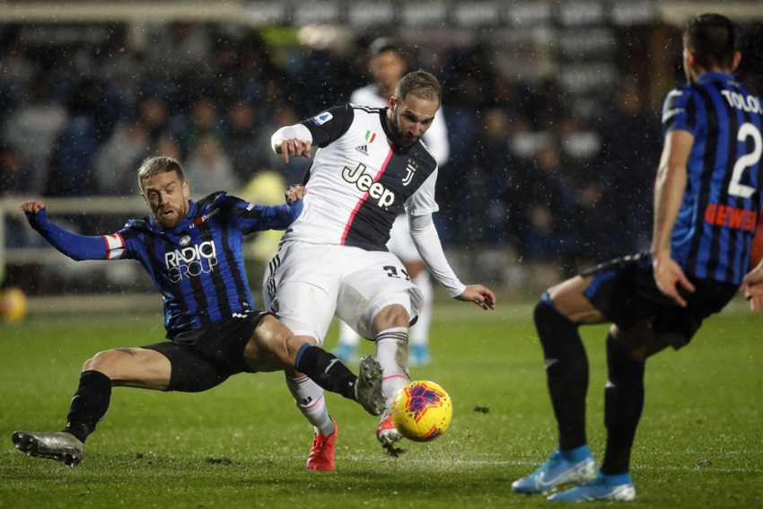 Juventus Monitoring Gonzalo Higuain After Hamstring Strain