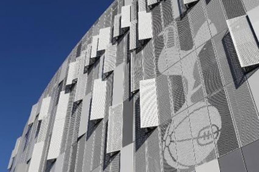 Tottenham Borrow 175 Million Pounds From Bank Of England