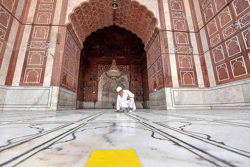 Carry Sanitizer, Prayer Mat; Wear Mask: Delhi's Jama Masjid Advises Visitors Before Re-opening