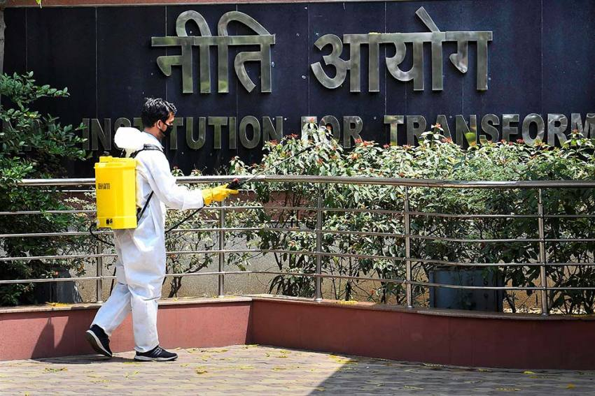 10 Central Govt Buildings In Delhi Faced Sealing In 74 Days Due To Covid-19