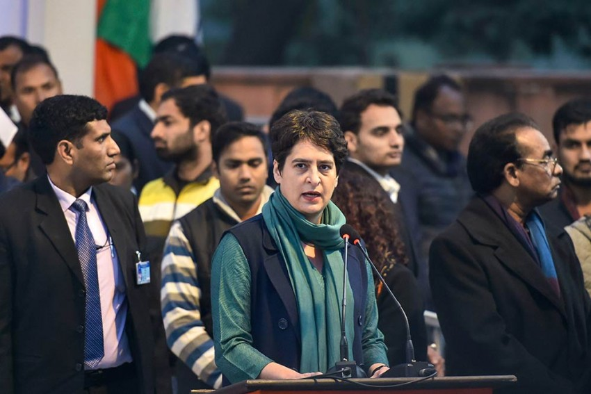 Union Minister Says Congress Leader Requested Lutyens Bungalow Extension, Priyanka Gandhi Says 'Fake News'