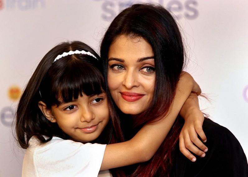 Aishwarya Rai Bachchan And Daughter Aaradhya, Both Covid Positive, Taken To Mumbai Hospital