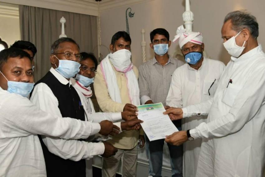 Amid Political Crisis, Ashok Gehlot Govt Gets Support of 2 MLAs of Bharatiya Tribal Party