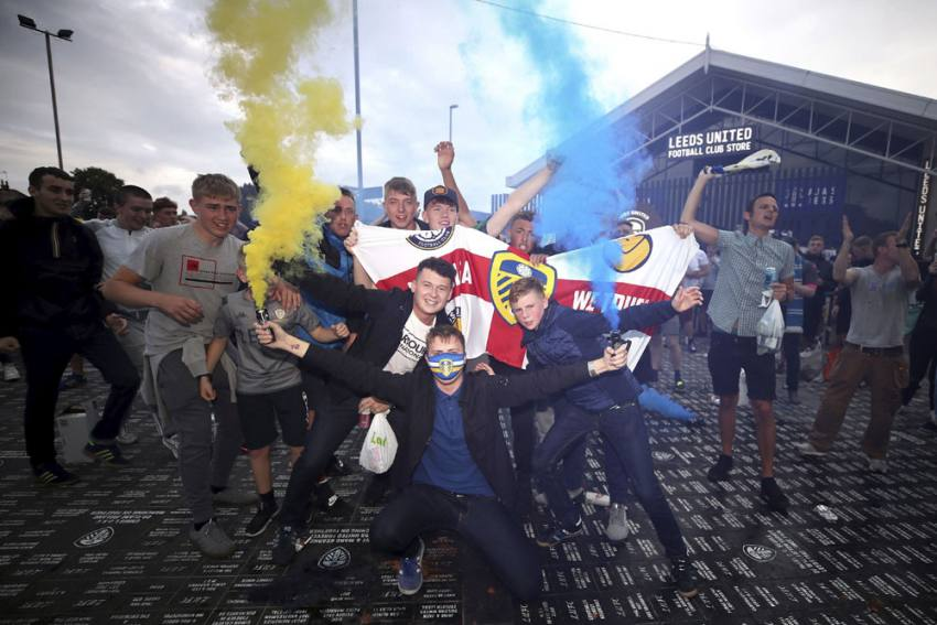 Leeds United Crowned Championship Champions After Brentford Lose At Stoke City