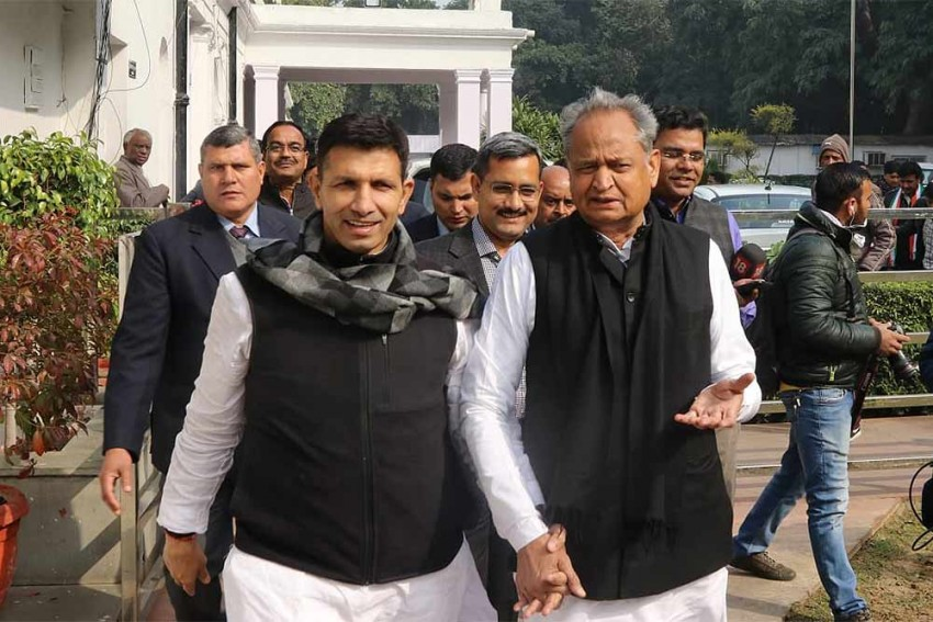 Home Ministry Seeks Report From Ashok Gehlot Govt On Phone-tapping Allegations