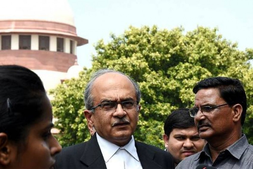 Contempt Proceedings: SC Issues Notice To Activist-Lawyer Prashant Bhushan