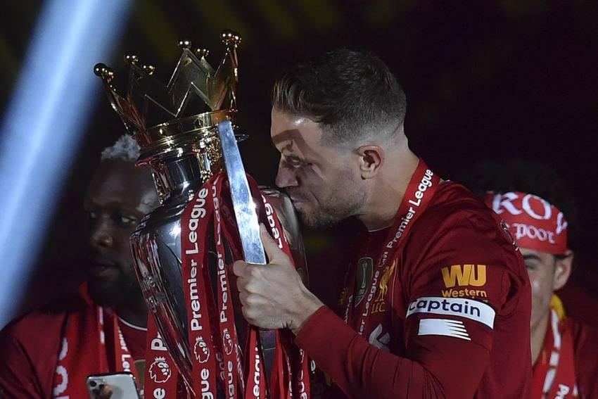 Liverpool Coach Jurgen Klopp Salutes 'Great Character' Jordan Henderson