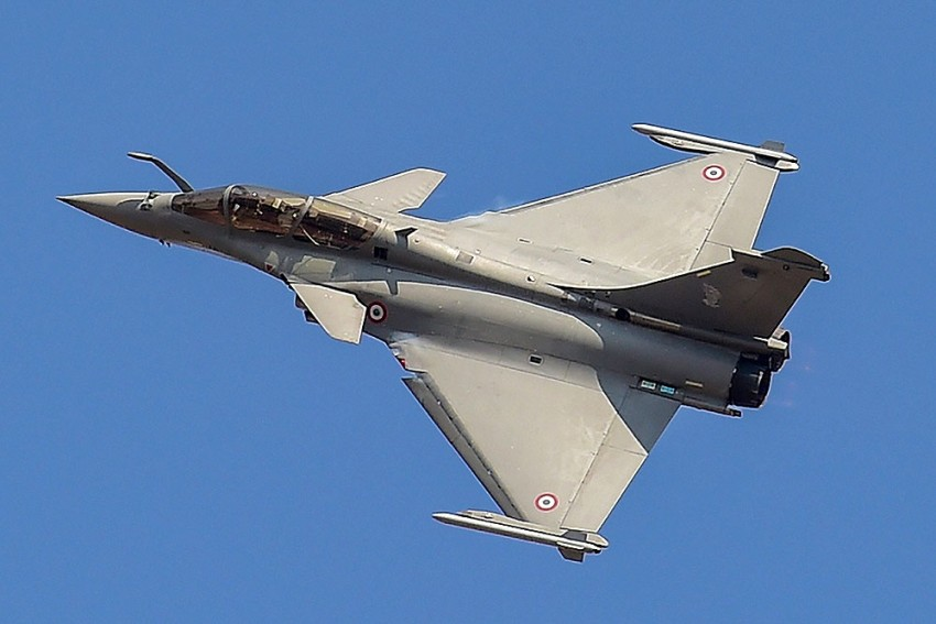 First Batch Of 5 Rafale Jets Takes Off From France For India