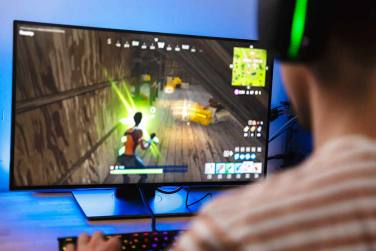 Business Of Online Gaming In India: Big Bucks, Bigger Consumer Base And Biggest Issues