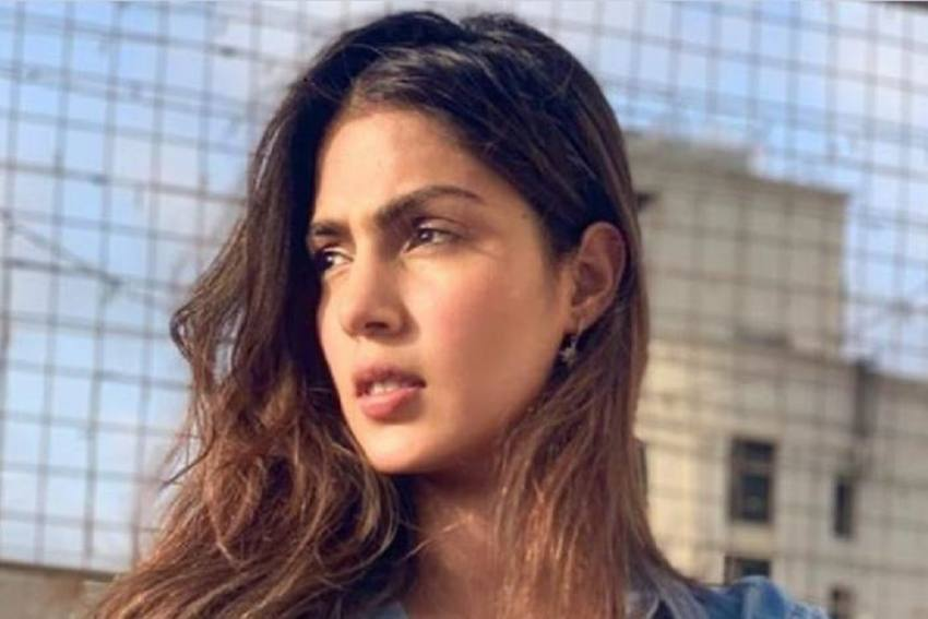 'Truth Shall Prevail': Rhea Chakraborty On Allegations Of Sushant Singh Rajput's Family