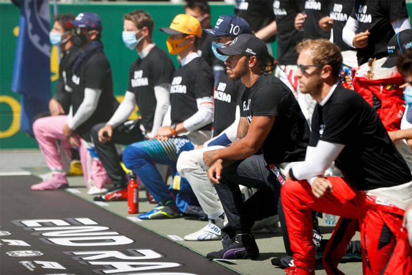 End Racism: Lewis Hamilton Among 14 F1 Drivers To Take A Knee At Austrian Grand Prix