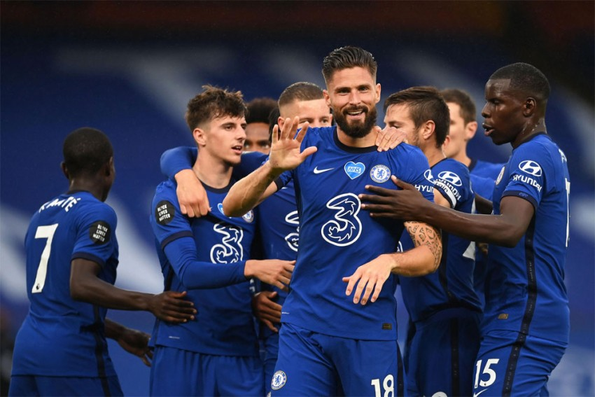 Premier League Saturday Wrap: Chelsea, Manchester United And Leicester Win In Battle For Top Four