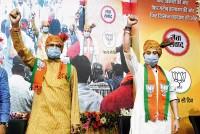 How Jyotiraditya Scindia Is Stealing MP CM Shivraj Singh Chouhan's Thunder