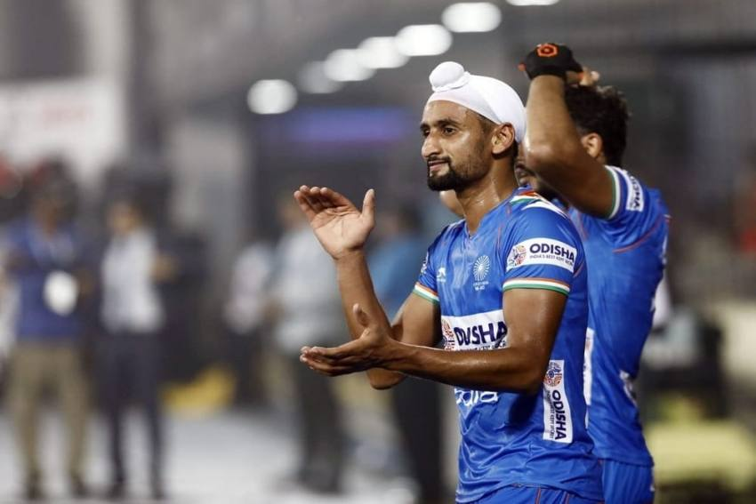 Indian Hockey Player Mandeep Singh Shifted To Hospital Due To COVID-19