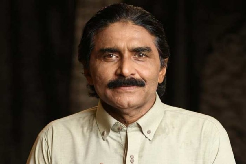 Will Challenge Imran Khan In Politics: Former Pakistan Cricketer Javed Miandad