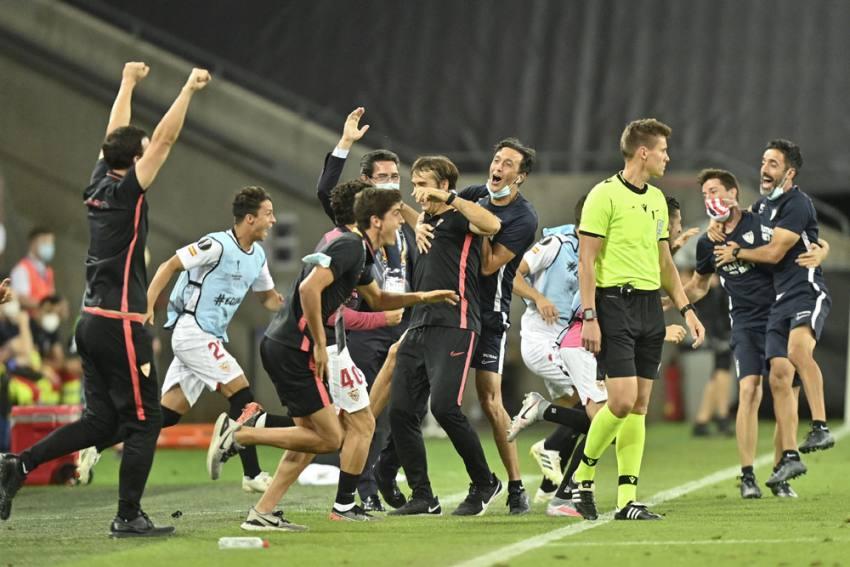 Europa League: Sevilla Beat Manchester United 2-1 To Enter Final