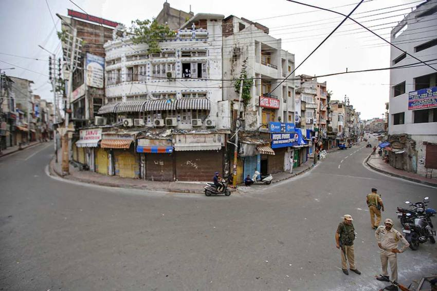 J-K Admin Sets Up Committee For Economic Revival As Lockdowns Lead To Mounting Losses