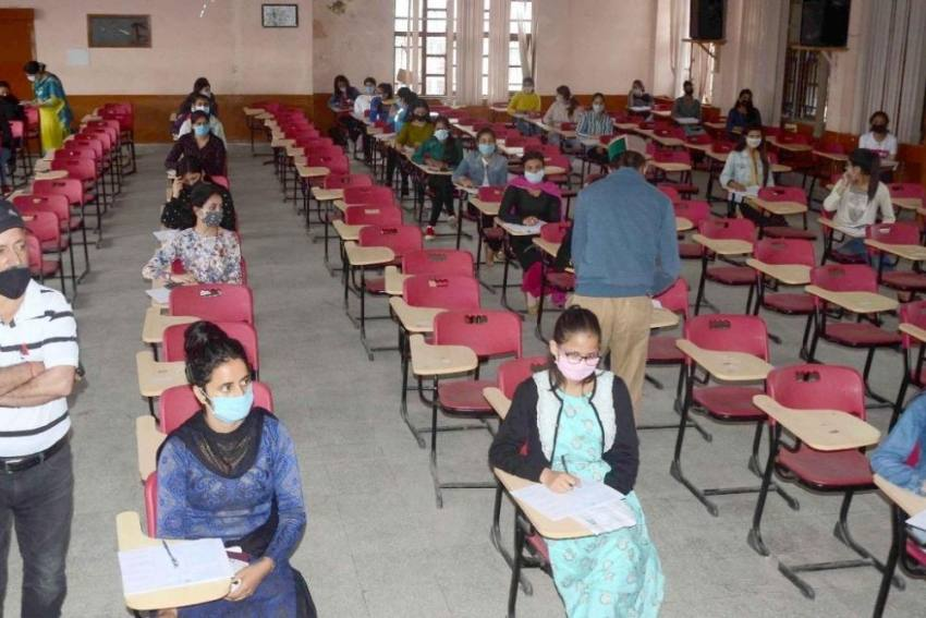 Amid Covid Scare, Undergraduate Students Appear For Final-term Exams In Himachal Pradesh