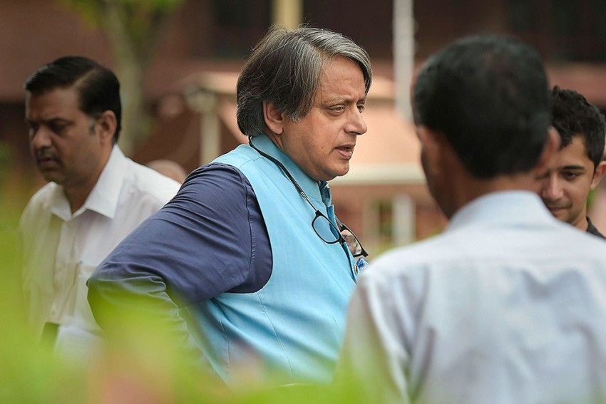 Shashi Tharoor-led MPs' Panel To Meet Facebook Reps On Sept 2 To Discuss 'Misuse Of Social Media'