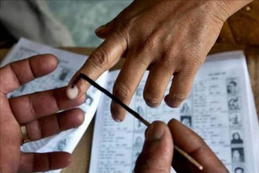 Gloves For Voters, Nominations Go Online: EC Issues Guidelines For Polls During Covid