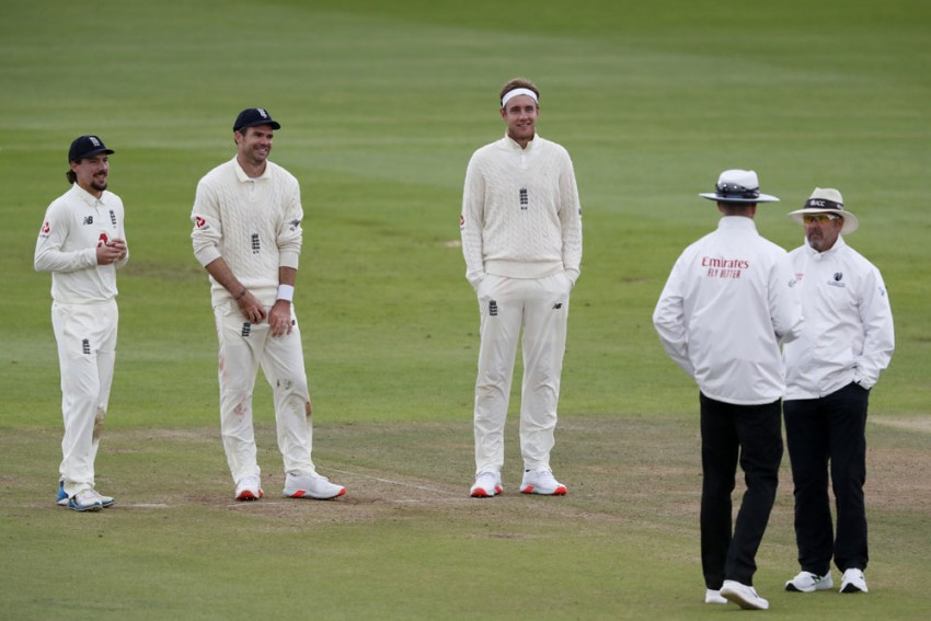 ENG Vs PAK, 3rd Test: James Anderson Stranded On 599, Pakistan Digging In To Save The Match - Day 4 Report