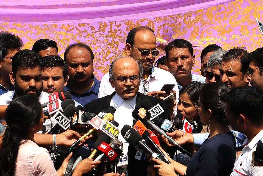 'Apology Is A Magical Word,' Says SC As It Reserves Order In Contempt Case Against Prashant Bhushan