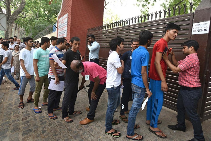 'Let's Not Be Deterred By Covid': IIT-Delhi Director Says Postponement of JEE-NEET Will Have 'Serious Repercussions'