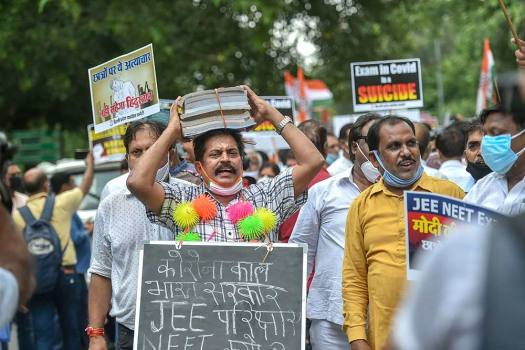 Political Battle Over NEET-JEE Intensifies As Six States File Review Plea In SC