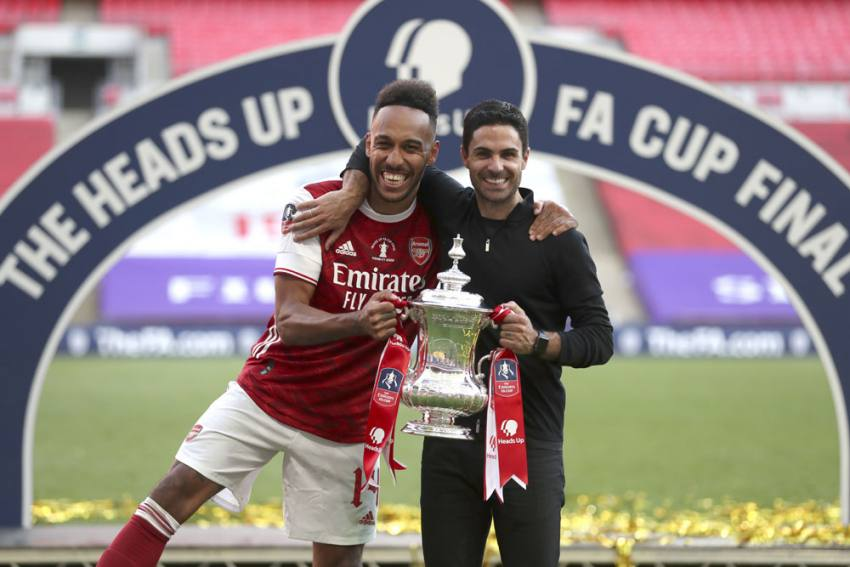 Mikel Arteta Urges Pierre-Emerick Aubameyang To Join Arsenal Greats By Staying At Gunners