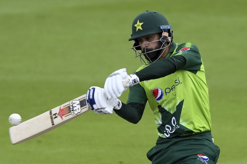 ENG Vs PAK, 2nd T20I: Mohammad Hafeez Becomes 2nd Pakistani To Breach 2000-run Mark