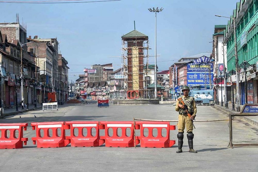 Curfew-like Restrictions Remain In Kashmir As Country Marks One Year Of Abrogation Of Article 370