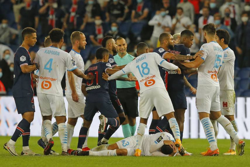 Psg 0 1 Marseille Neymar And Four Others Sent Off In Crazy Le Classique Fight