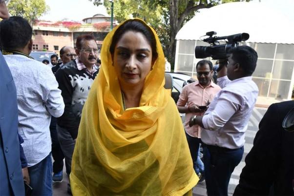 Akali's Harsimrat Kaur Quits Modi Govt In Protest Against Farm Bills