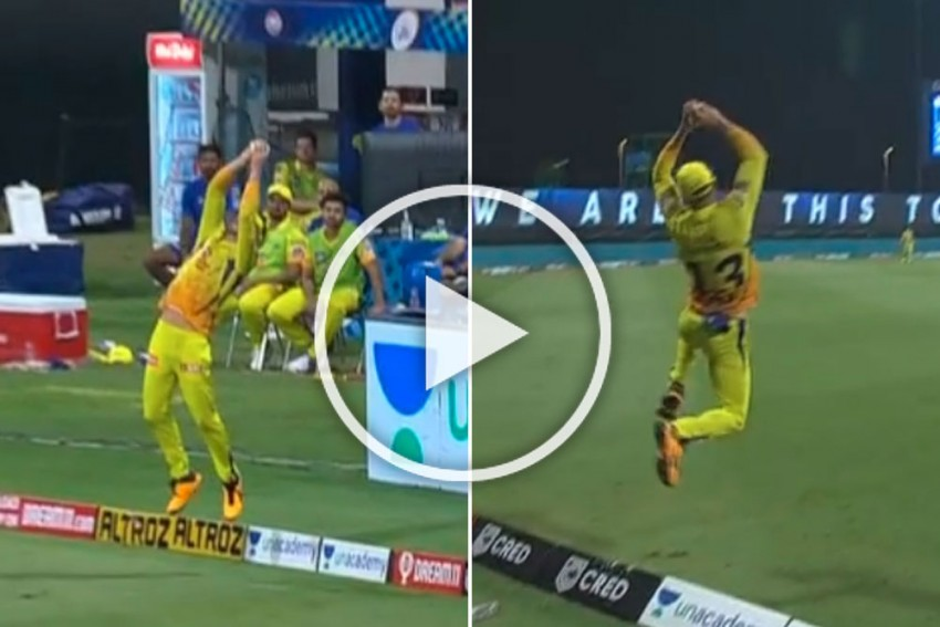 IPL 2020, MI Vs CSK: Faf Du Plessis' Sensational Catches Earn MS Dhoni Applause - WATCH