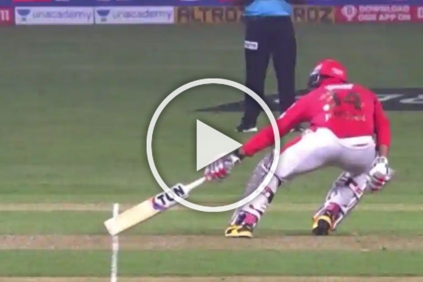 IPL 2020, DC Vs KXIP: Watch The Moment Umpire Robed Kings XI Punjab's 'Win' Against Delhi Capitals - VIDEO